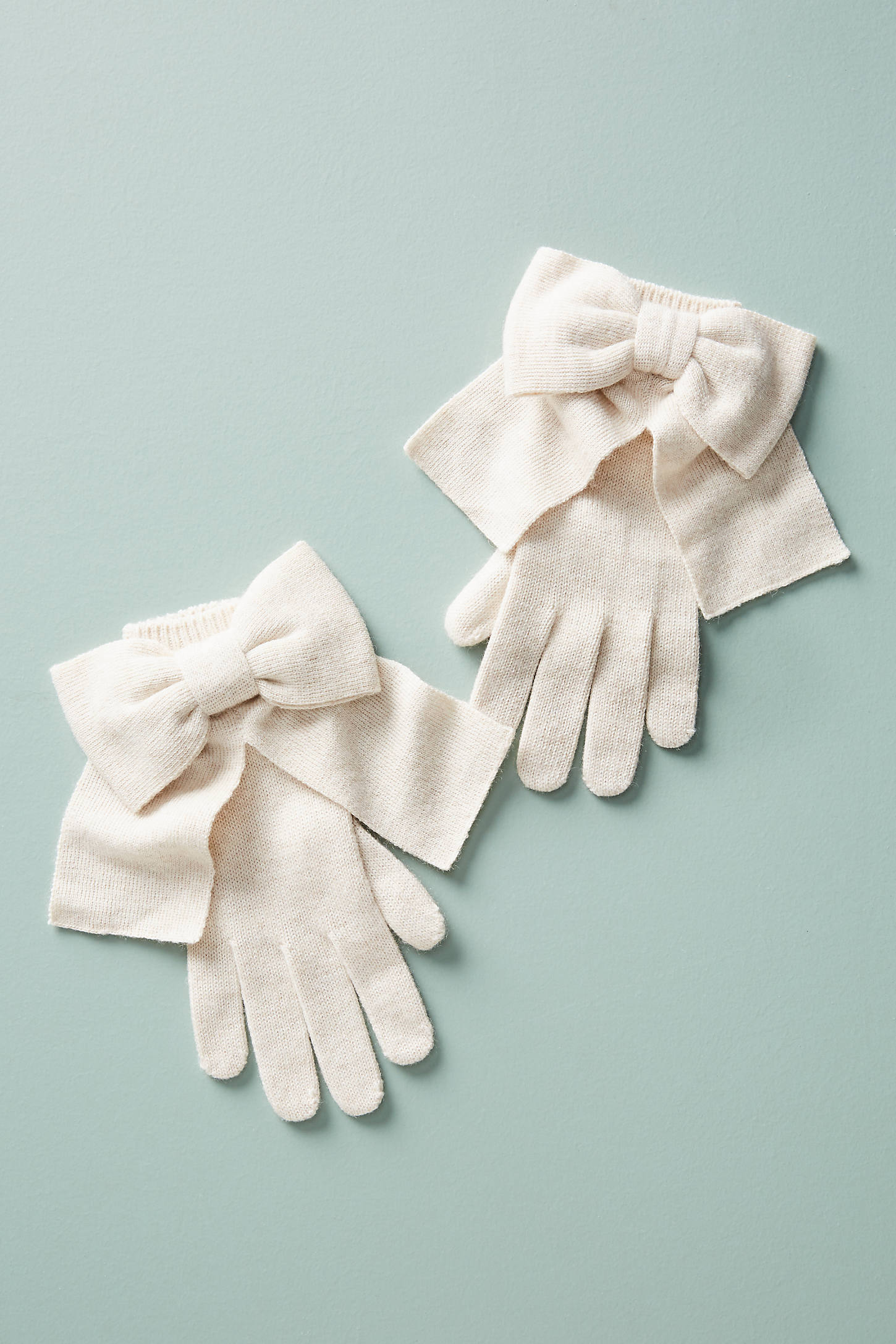 Bow-Tied Gloves
