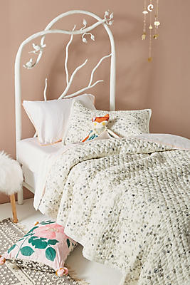 Slide View: 1: Grey Floral Twin Quilt