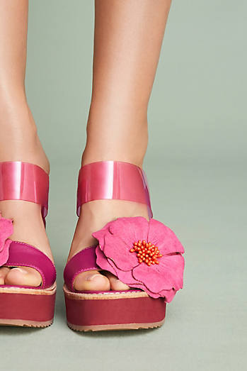 Bill Blass Dansby Hibiscus Wedge Sandals