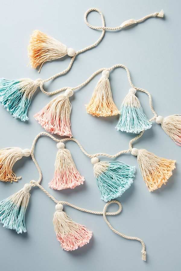 Slide View: 1: Pastel Tassel Garland