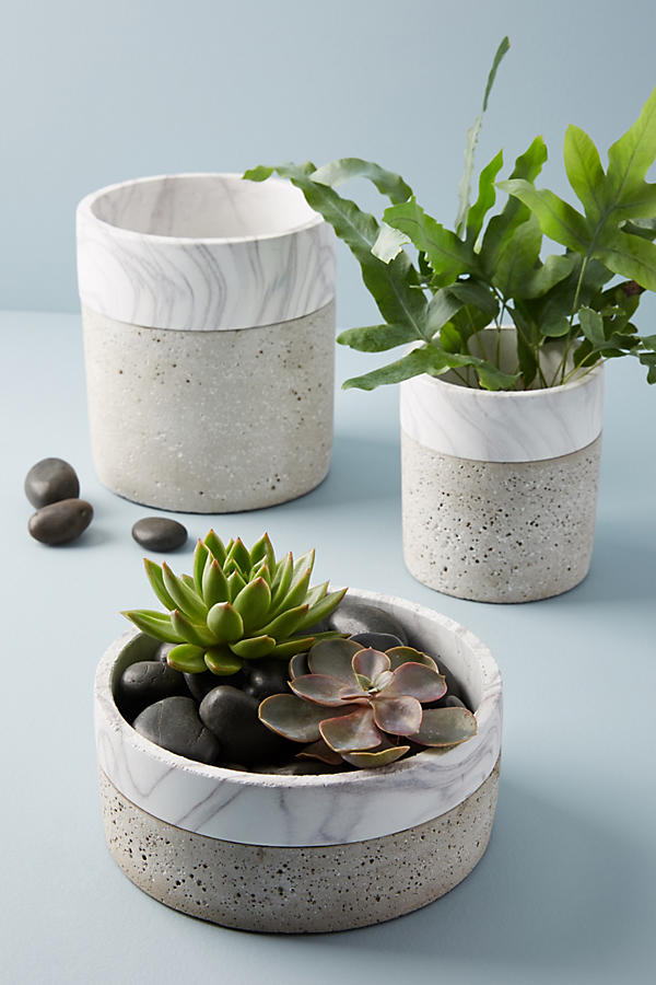 Slide View: 1: Marbled Cement Pot