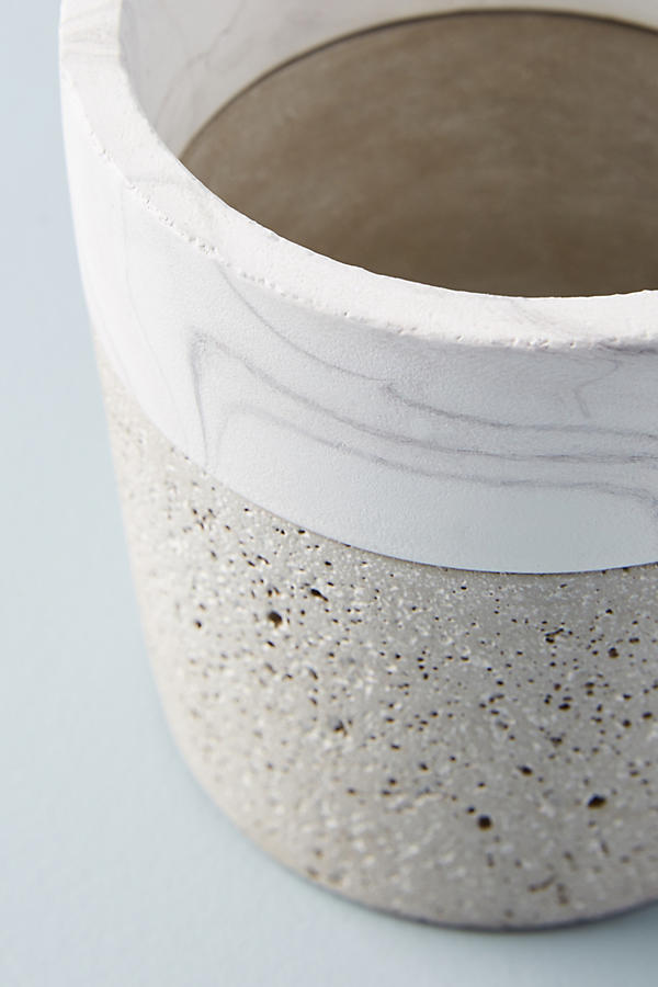 Slide View: 3: Marbled Cement Pot
