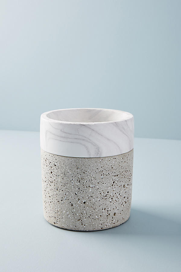 Slide View: 2: Marbled Cement Pot