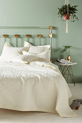 Slide View: 1: Peacock Alley Bristol Coverlet