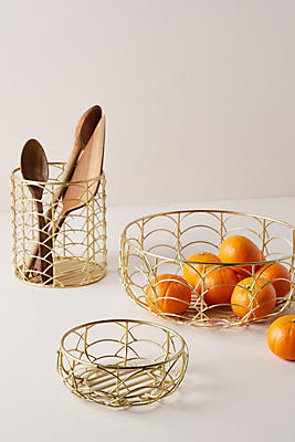 Slide View: 2: Scalloped Fruit Basket