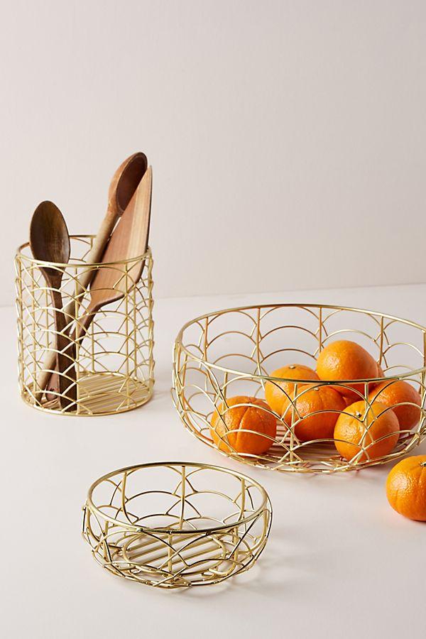 Slide View: 2: Scalloped Fruit Basket