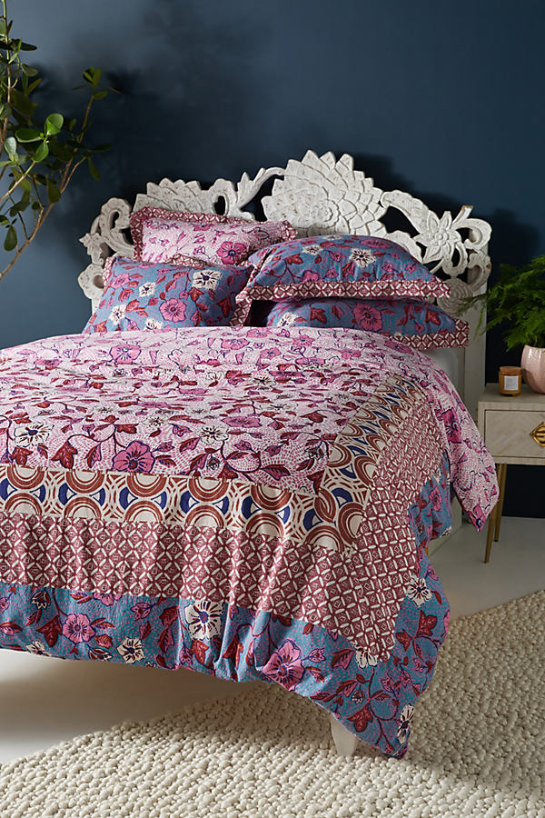 Zola Duvet Cover - Pink, Size Q Top/bed