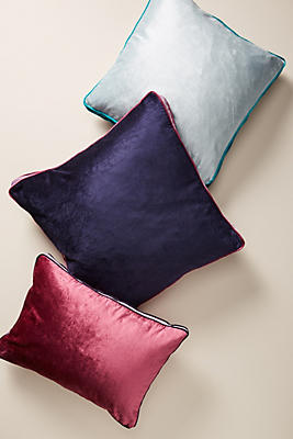 Slide View: 1: Louise Velvet Pillow