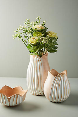 Slide View: 1: Lotus Vase