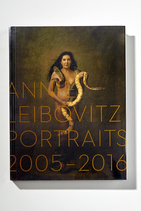 Annie Leibovitz Portraits - Brown