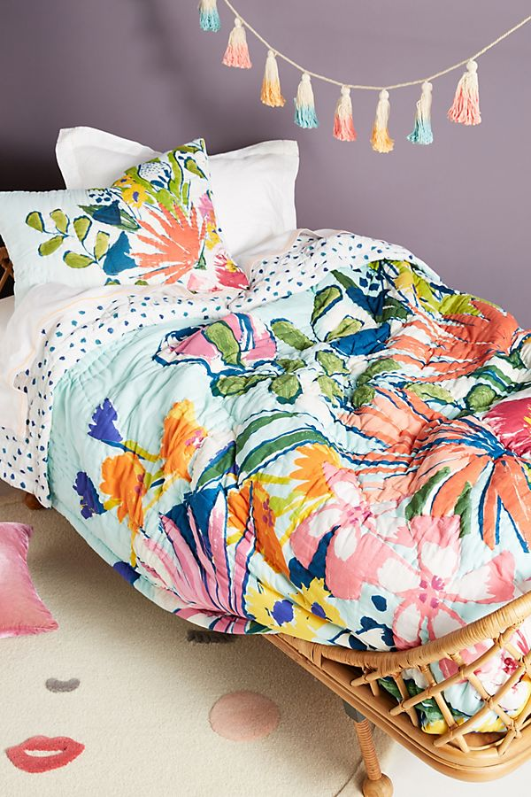 Slide View: 1: Lulie Wallace Floral Kids Quilt