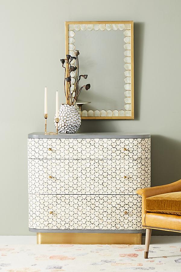 Targua Three-Drawer Dresser - Grey