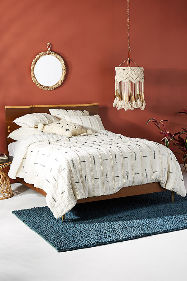 Embroidered Norah Quilt - White, Size Q Top/bed