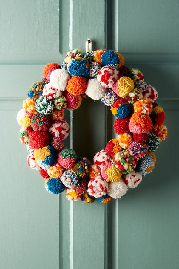 Slide View: 1: Pom Bonanza Wreath