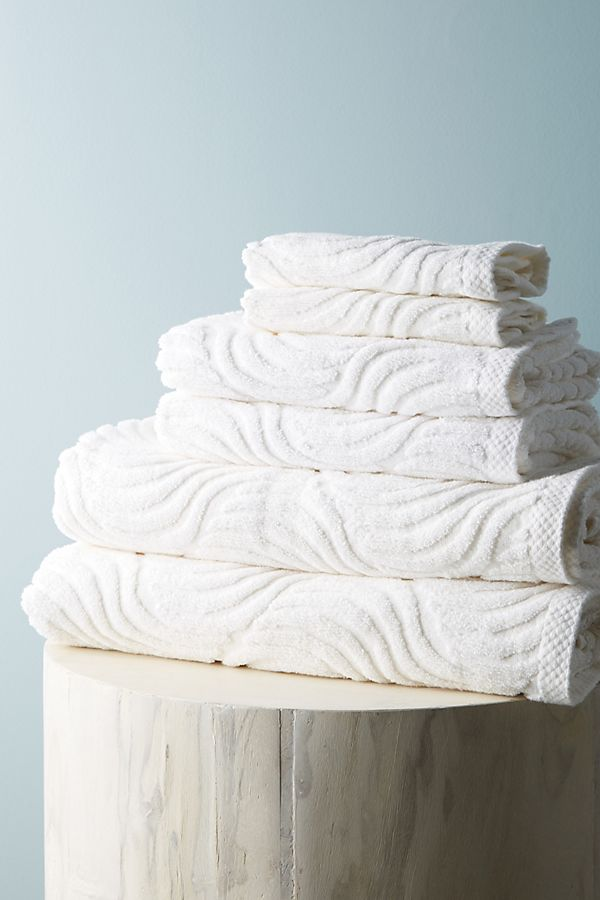 Slide View: 1: Sunfaded Bathroom Towels, Set of 6
