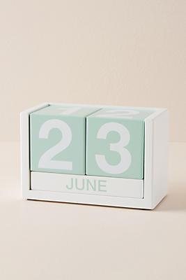 Slide View: 1: Wooden Desk Calendar