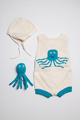 Slide View: 1: Estella Organic Baby Gift Set With Sleeveless Romper, Bonnet Hat & Octopus Rattle