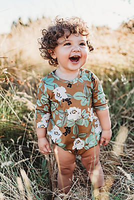 Slide View: 1: Lola & Stella Sleeved Bubble Romper