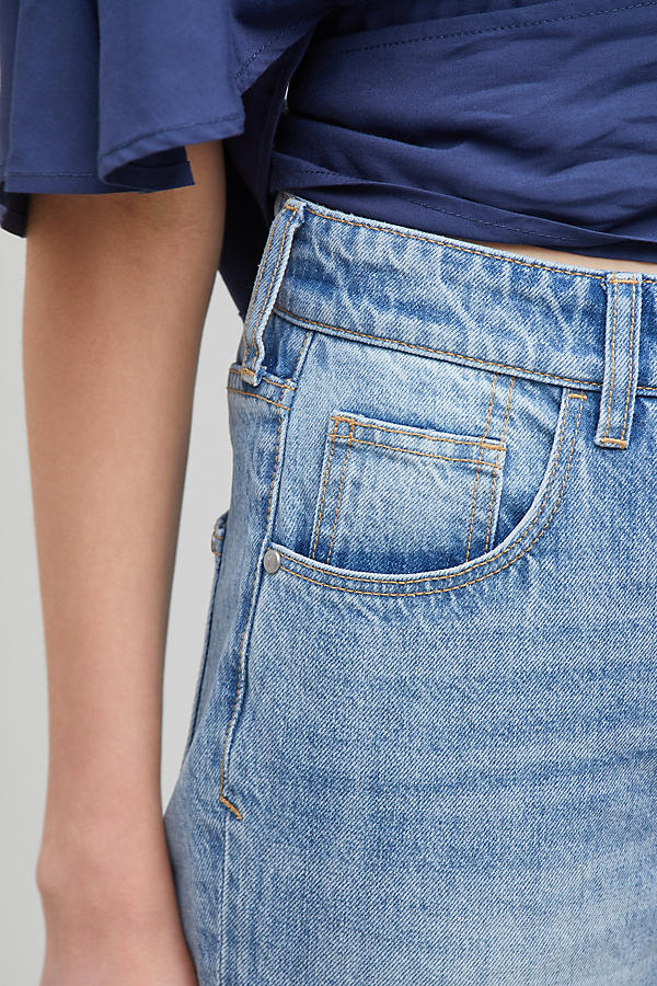 Slide View: 3: Pilcro Tilde Light-Wash Jeans