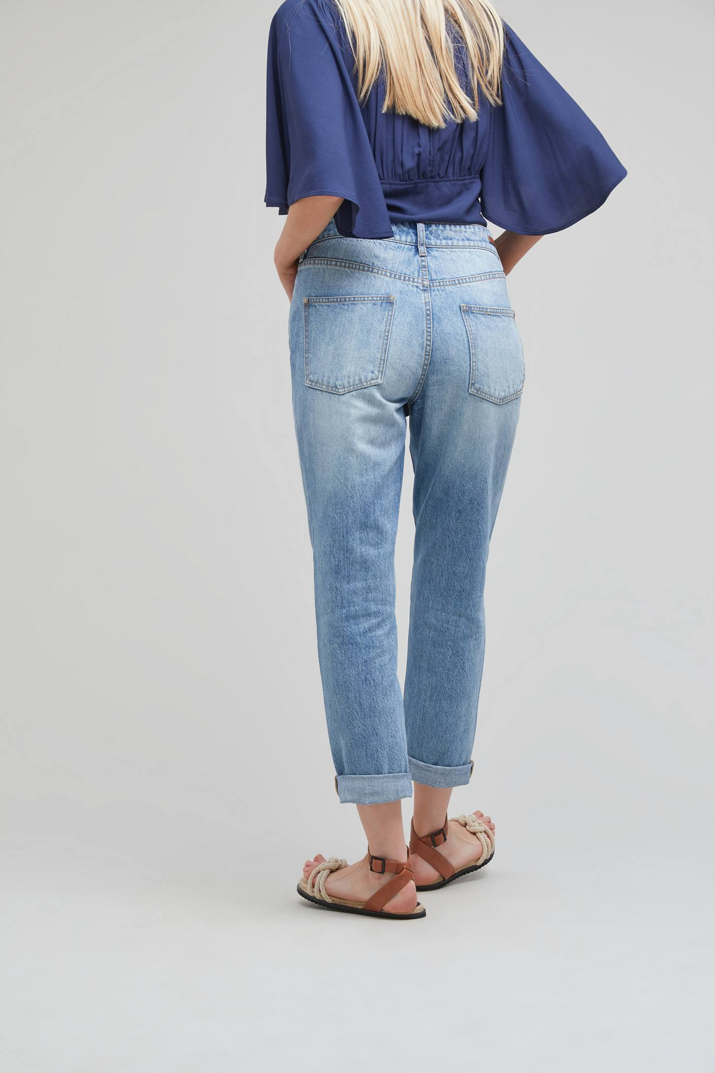 Slide View: 4: Pilcro Tilde Light-Wash Jeans