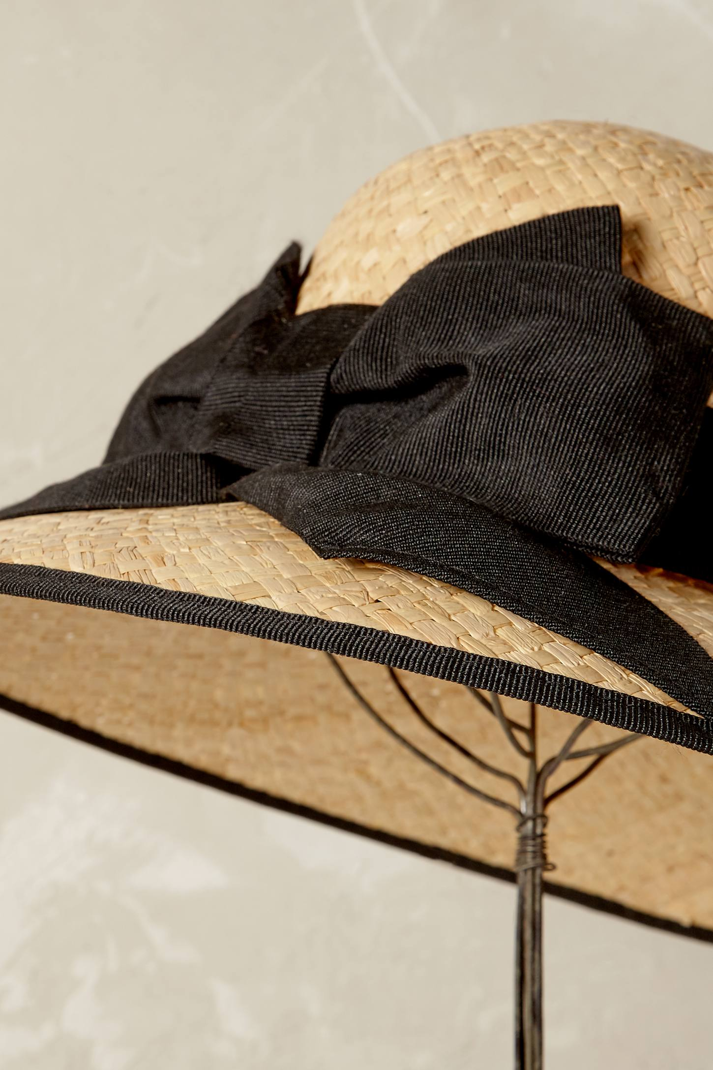 Slide View: 2: Gabrielle Bow Hat