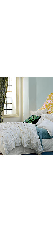 Slide View: 6: Crowned Crane Duvet Cover
