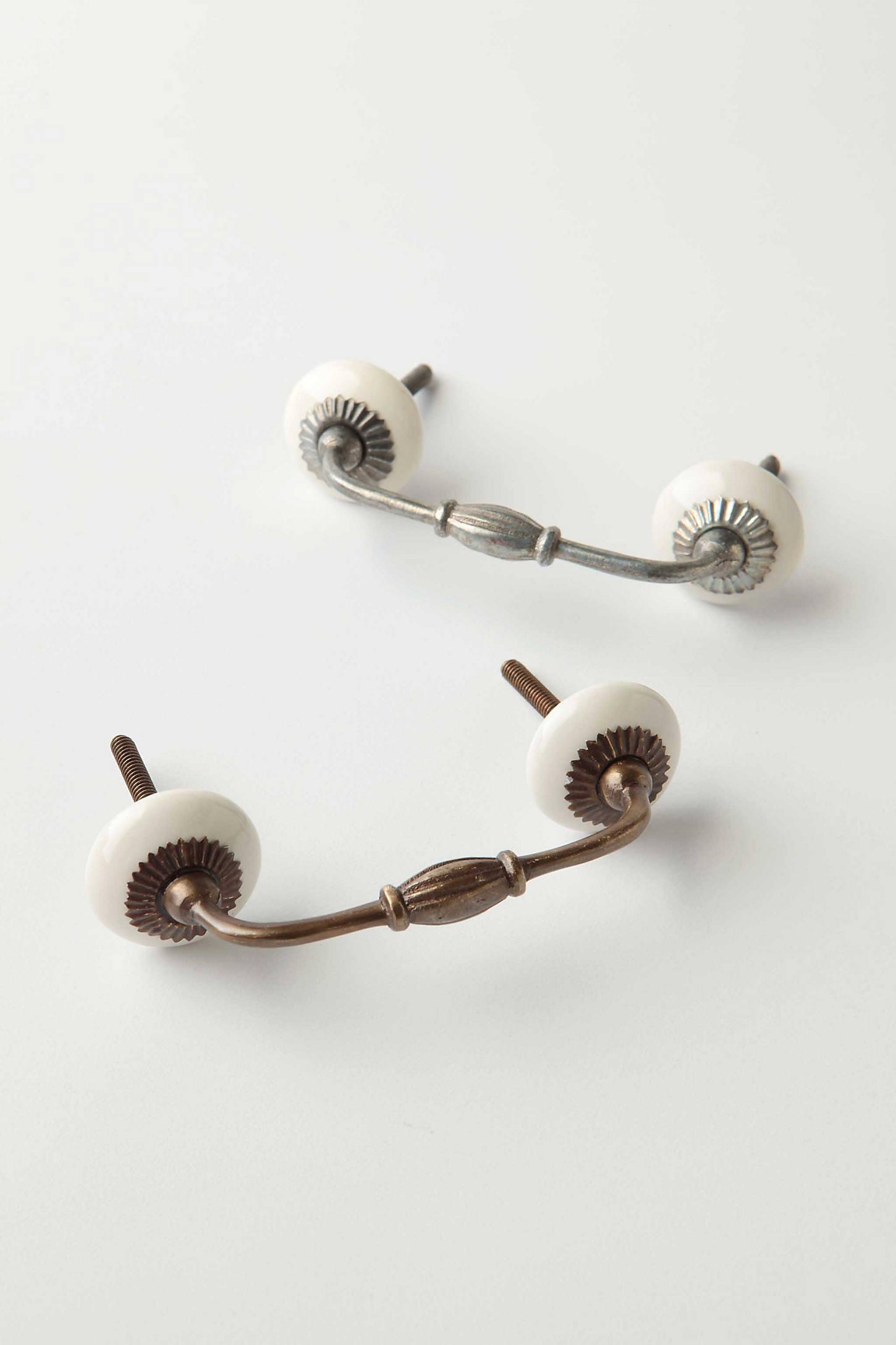 Zinnia Handle - Antique Brass