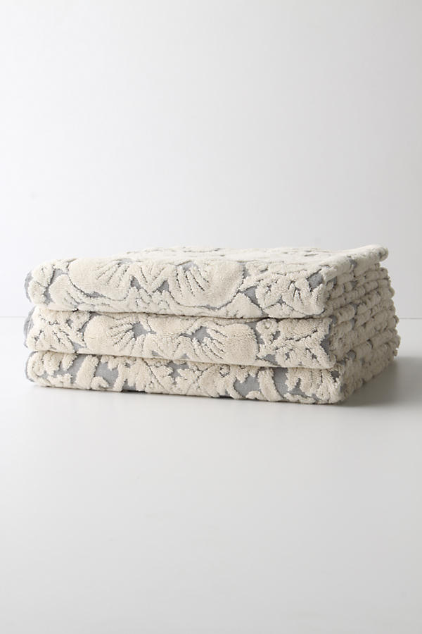 Slide View: 5: Perpetual Blooms Towels