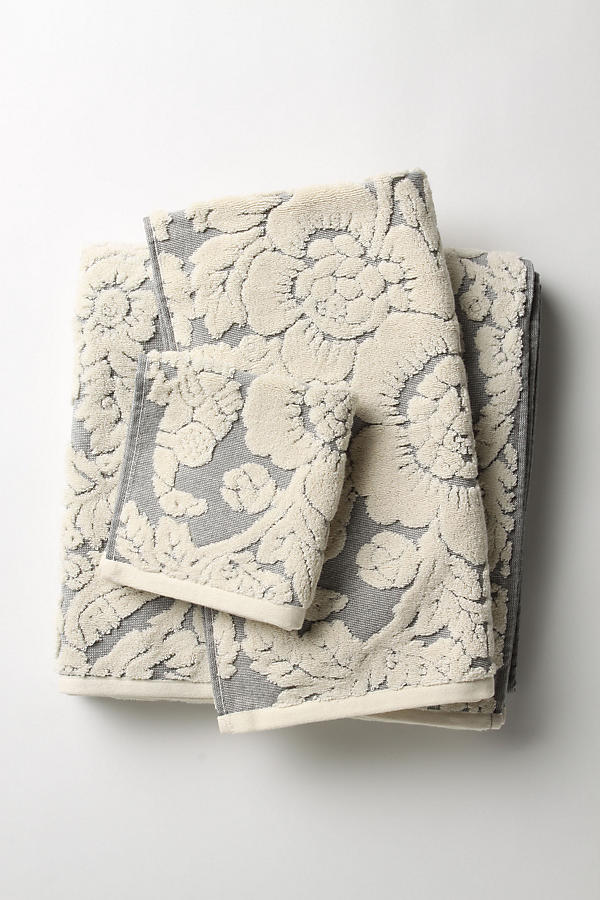 Slide View: 6: Perpetual Blooms Towels