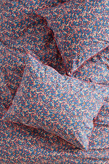 Slide View: 1: Liberty for Anthropologie Wiltshire Berry Shams