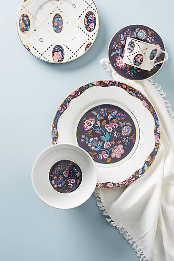Slide View: 2: Liberty for Anthropologie Mabelle Salatteller mit Blumendesign