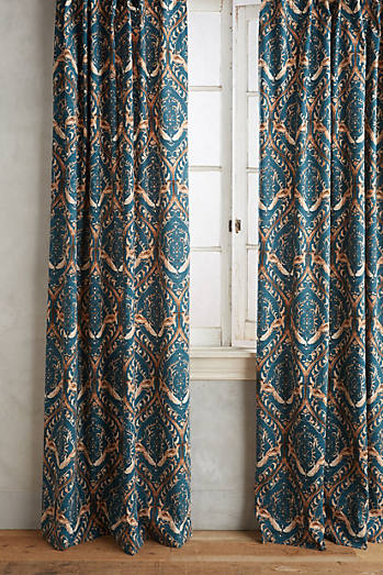 Tiled Crest Curtain